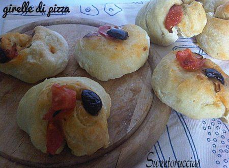 Girelle di Pizza con Olive e Cipolletta
