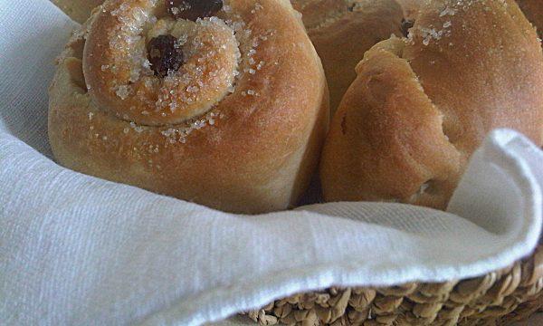 Girelle di Pan Brioss con Uvetta e Zucchero