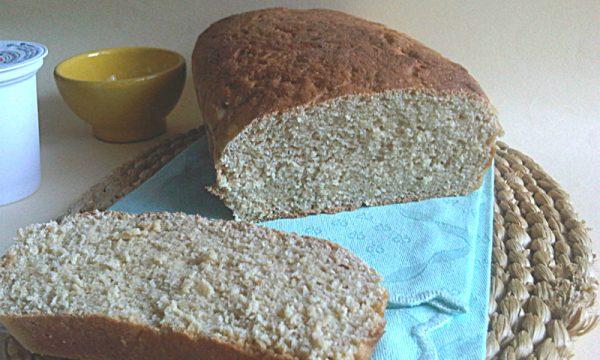 Pane dolce integrale al miele e yogurt