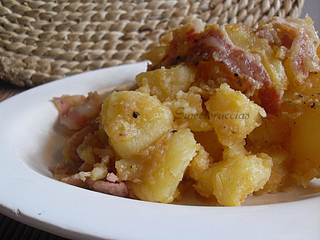 Pasticcio di patate con paprika dolce e pancetta
