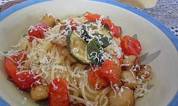 Spaghetti all'ortolana con ricotta salata