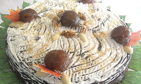 Torta con crema di marroni e frutta secca
