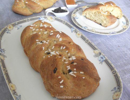 Pane dolce con uva passa e farina integrale