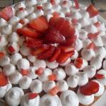 Torta alle fragole cremosa ricetta facile