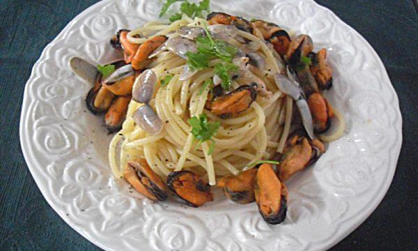 Spaghetti alle telline e cozze