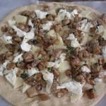 Pizza bianca ai funghi porcini