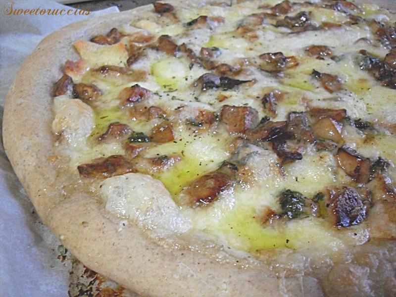 Pizza bianca ai funghi porcini for Pizza con planetaria