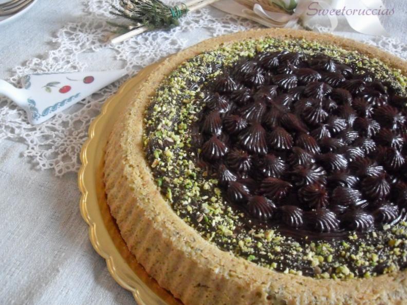 Torta con crema di castagne e cioccolato