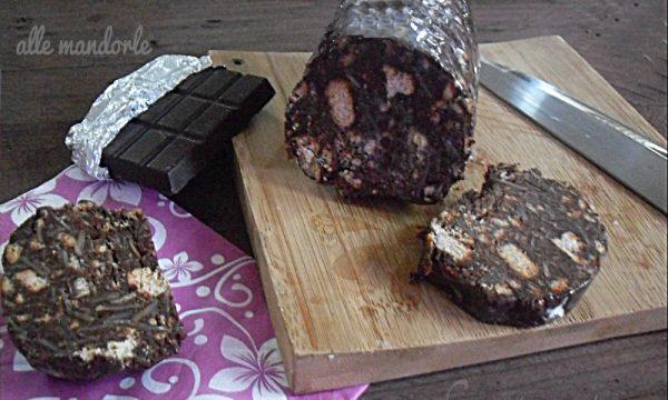 Salame di cioccolato alle mandorle