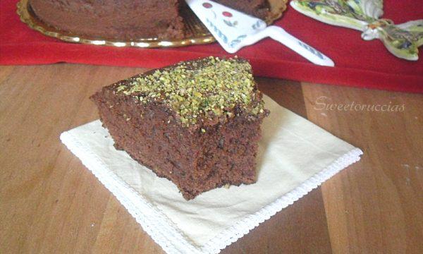 Torta al cioccolato fondente e pistacchio