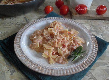 Pasta pomodoro e ricotta ricetta siciliana