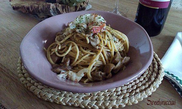 Spaghetti con funghi porcini e gamberoni