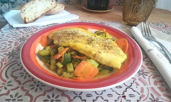 Filetto di merluzzo con verdure di stagione e curcuma