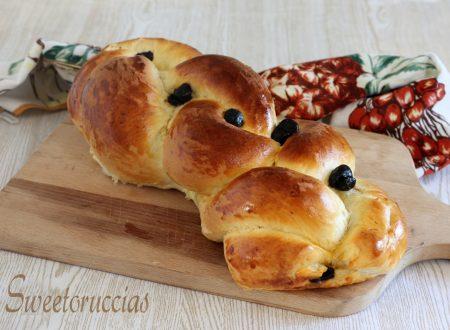 Treccia di pan brioche farcita al formaggio morbidissima