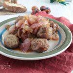 Polpette di carne con cipolla all'agrodolce