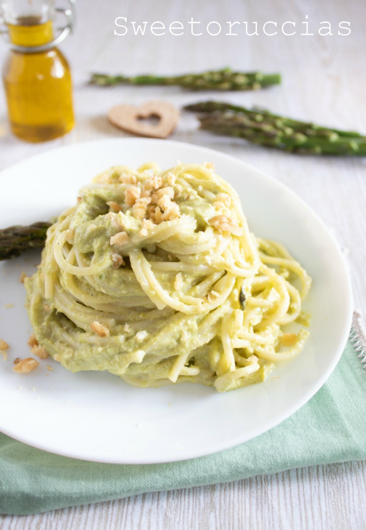 Spaghetti agli asparagi ricetta facile