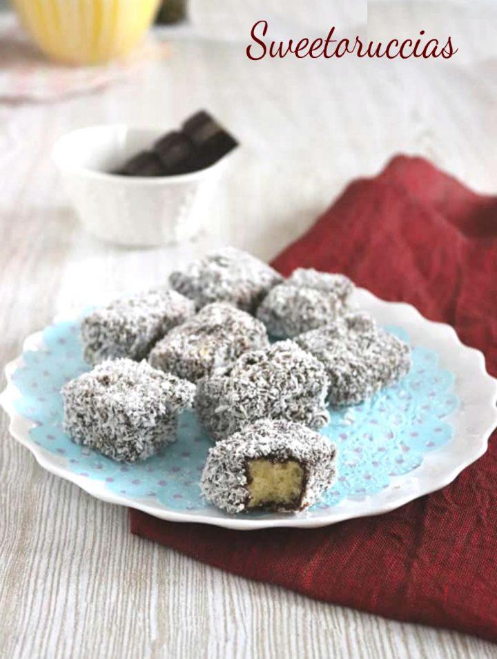 Dolci al cioccolato fondente e cocco