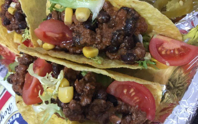 Tacos di mais ripieni di carne