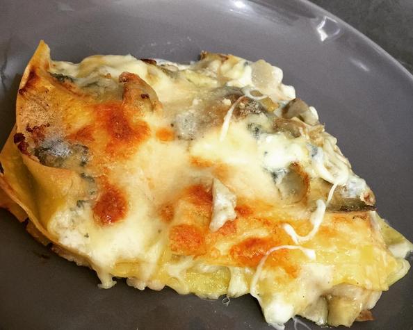 Lasagna con carciofi, gorgonzola e speck