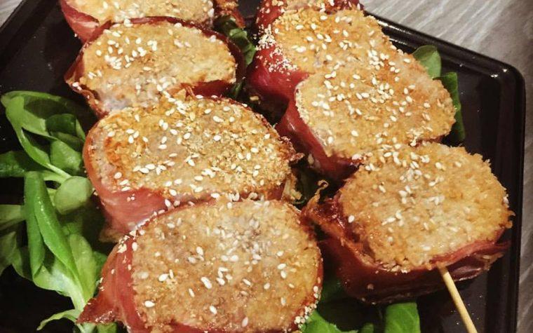 Spiedini di filetto di maiale alla senape con prosciutto crudo * Dukan