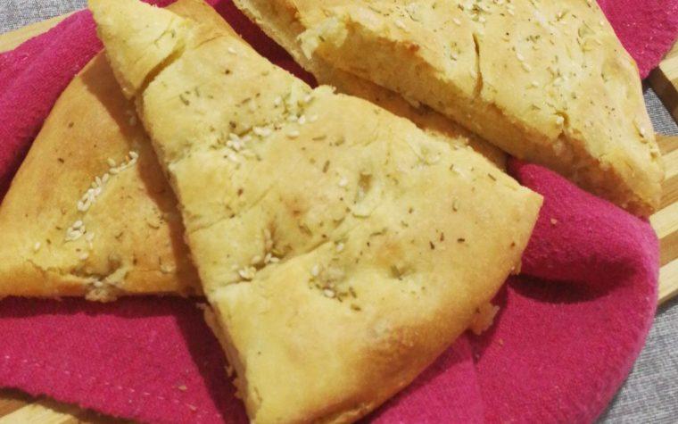 Focaccia soffice ai fiocchi di patate