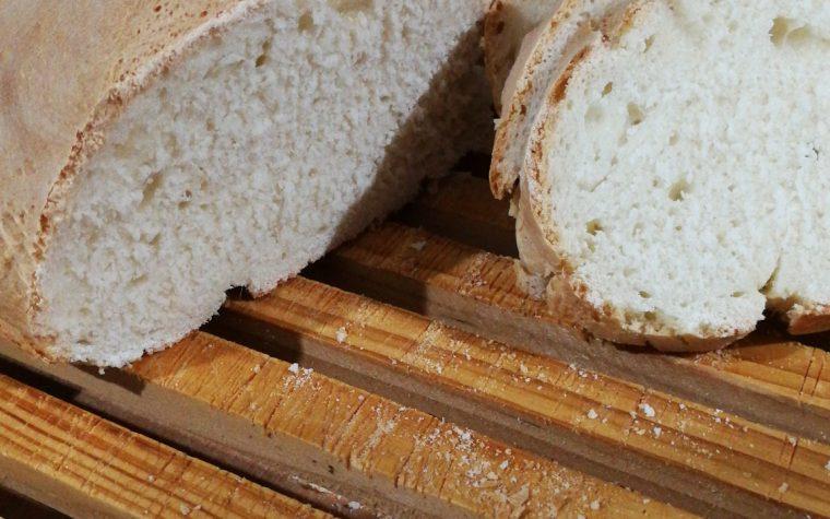 Filoncino di pane fatto in casa