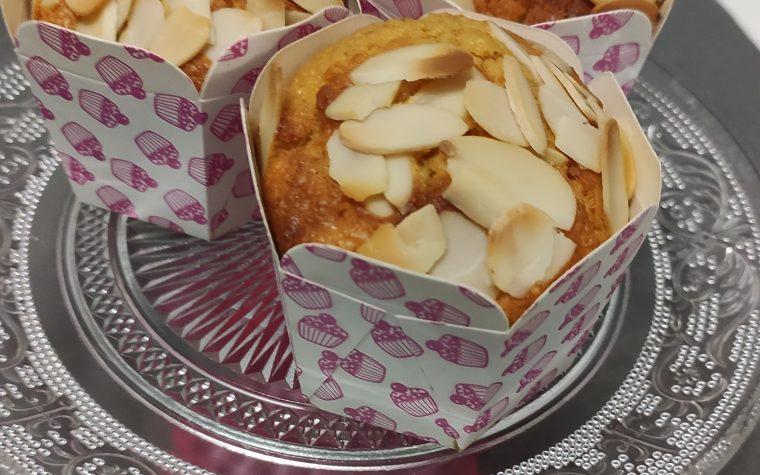 Muffin light con carote e mandorle