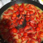 Spaghettoni con l'astice è pomodorini del piennolo