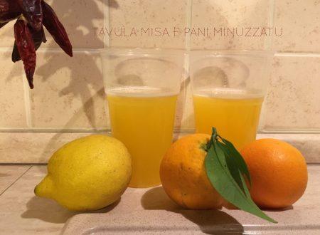 Succo di arancia limone e miele