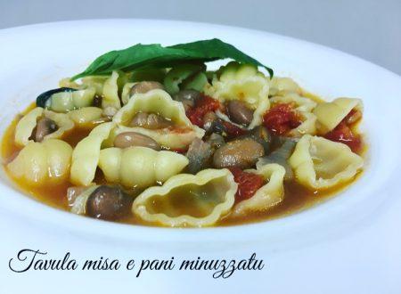 Pasta e fagioli in zuppa