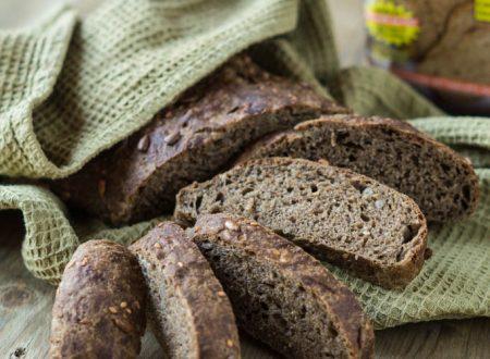 Pane nero, tramezzini o crostini vegani per ogni occasione