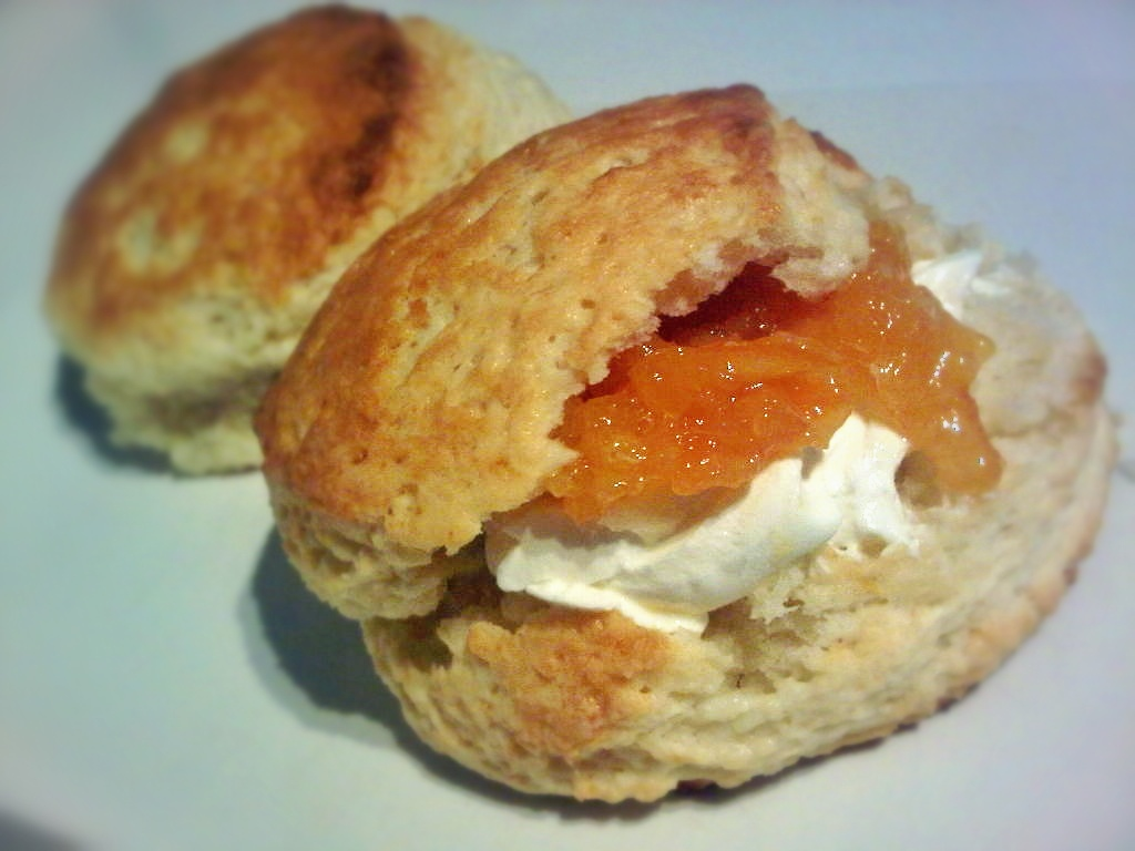 peach yogurt scones marmalade