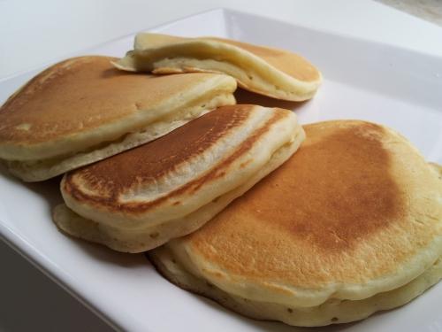 Pancake americani con pistacchio.
