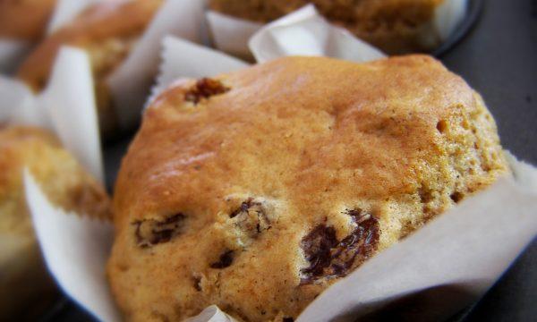 Muffin con il rum e uva passa