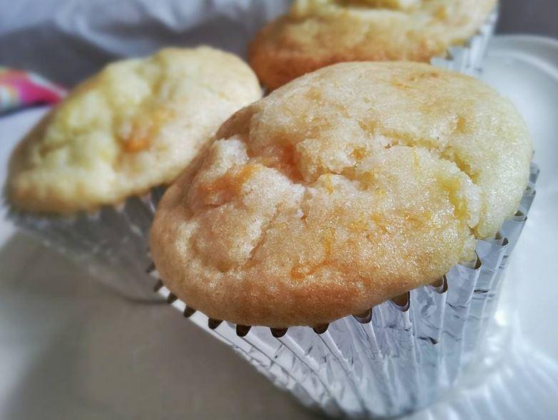 Pesca e mango muffin americani
