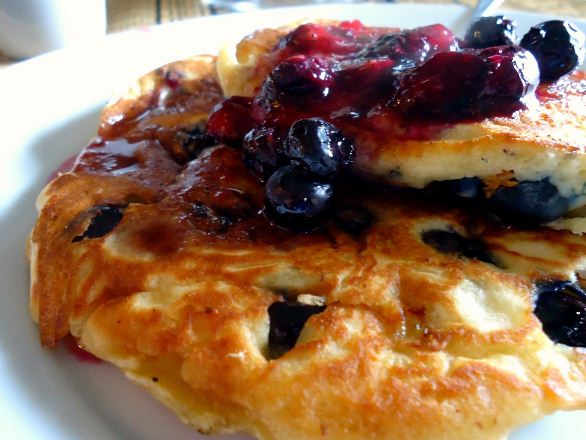 blueberry banana pancake