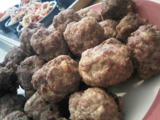 pork_veal_meatballs_320