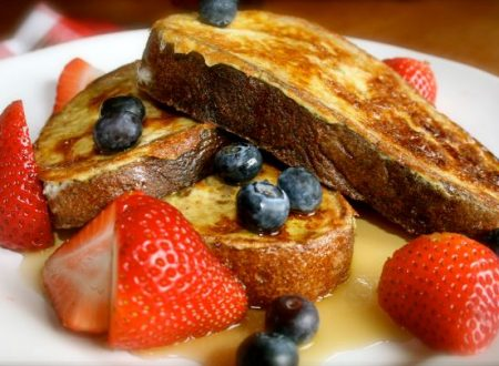Toast Francese con frutta fresca