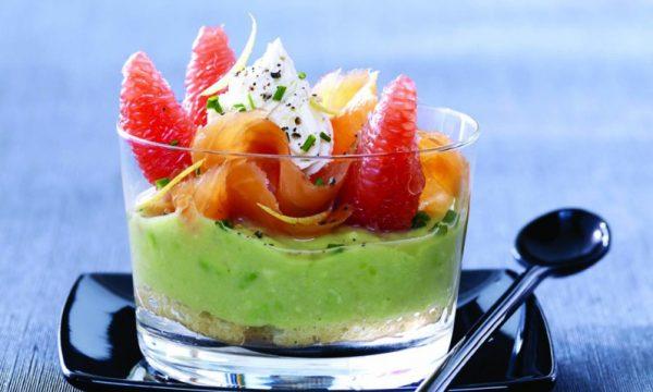 Tiramisù di salmone affumicato e avocado