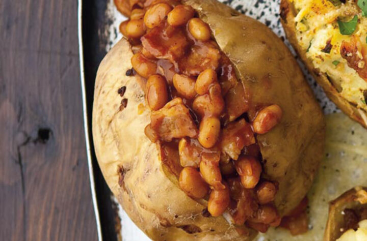 fagioli piccanti e patate al forno con pancetta