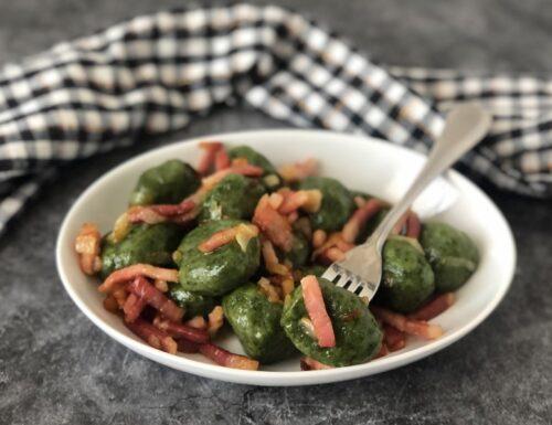 Gnocchi agli spinaci con pancetta
