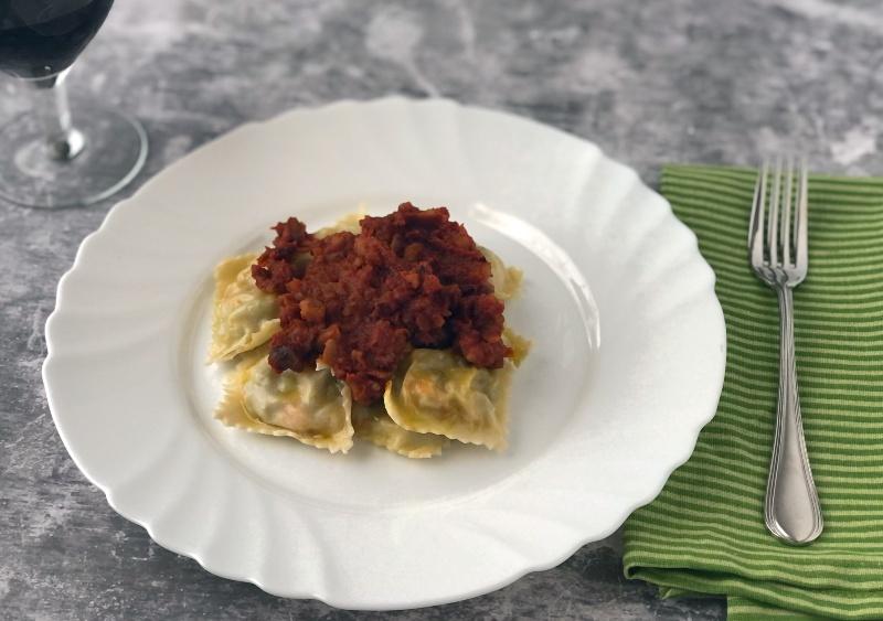 The Bretell Kitchen - Ravioli al vapore con ragù di castagne
