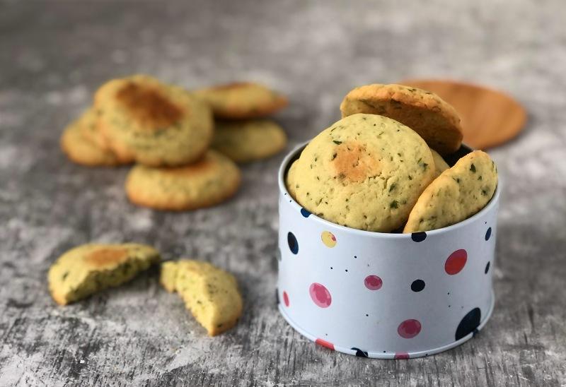 The Bretell Kitchen - Biscotti al basilico
