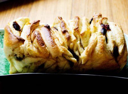 Pull Apart Bread con Arance e Mirtilli Rossi
