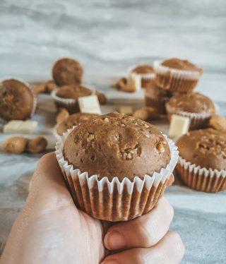 Muffin al burro di arachidi e cioccolato bianco