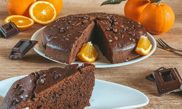 Torta morbida al cacao e arance