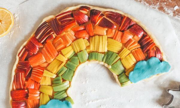 Crostata arcobaleno con mele