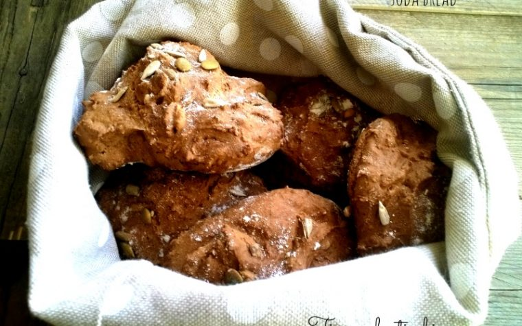 Soda bread farro e semi