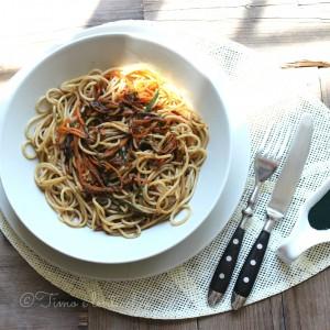 Spaghetti al farro e spirulina