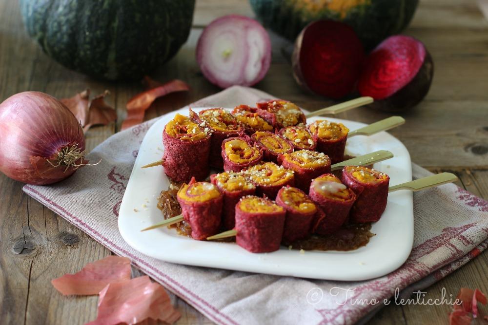 Crepes rosse su letto di cipolla caramellata